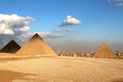 cairo pyramids 400x267 Excursiones Hurghada