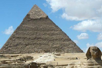 pyramids cairo egypt tour 400x267 Landausflüge von Alexandria Hafen