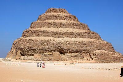 saqqara pyramid 400x267 Excursiones El Cairo
