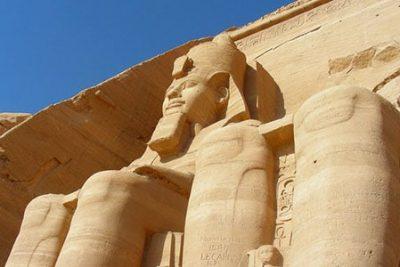 tour to abu simbel from aswan by bus 400x267 Excursii Aswan