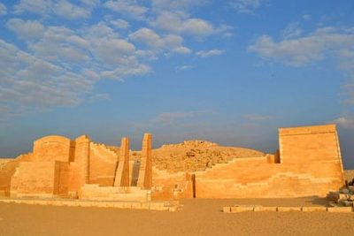 tour to memphis and sakkara 400x267 Excursiones El Cairo