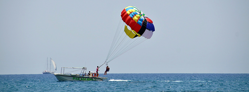 parasailing red sea egypt